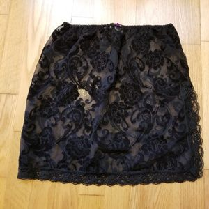 Hot Kiss Rose Flocky Skirt